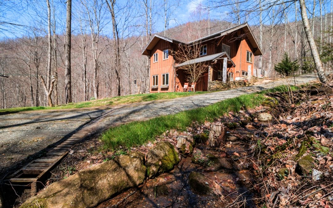 Off-Grid Home North of Asheville